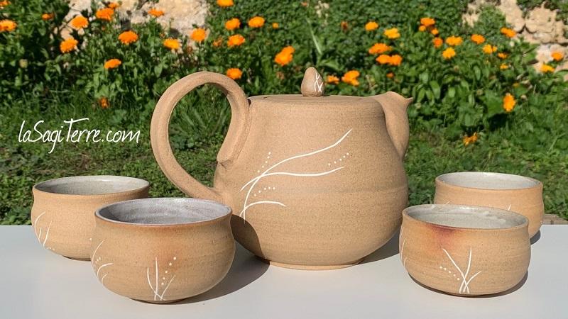 Théière_Mishima_art_de_la_table_décorations_céramique_Poterie_Aubas ©LaSagiTerre