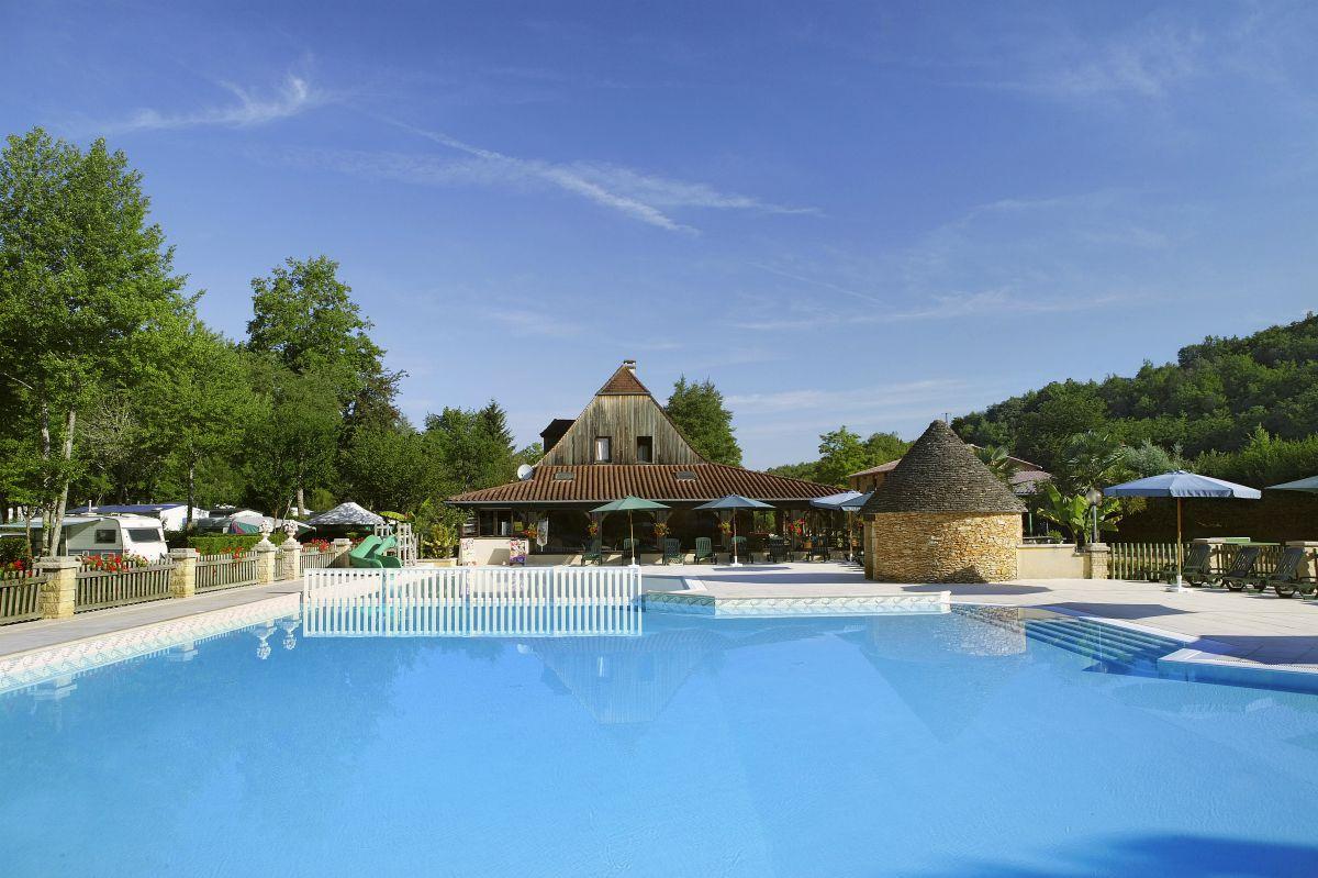Le moulin du roch lascaux dordogne vos vacances en for Camping municipal dordogne avec piscine