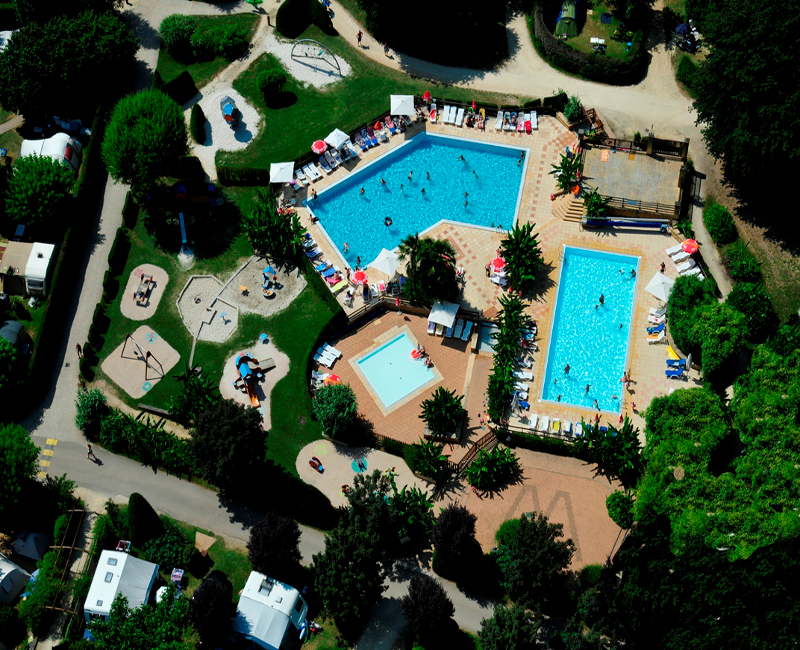 Camping le paradis lascaux dordogne your holidays in for Camping piscine dordogne