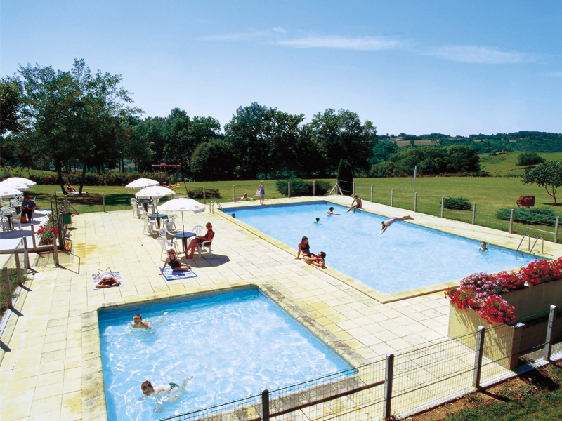 Camping la nouvelle croze lascaux dordogne vos vacances for Camping perigord noir piscine