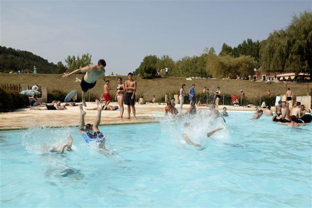 Camping domaine du lac lascaux dordogne vos vacances en for Camping le bourget du lac avec piscine