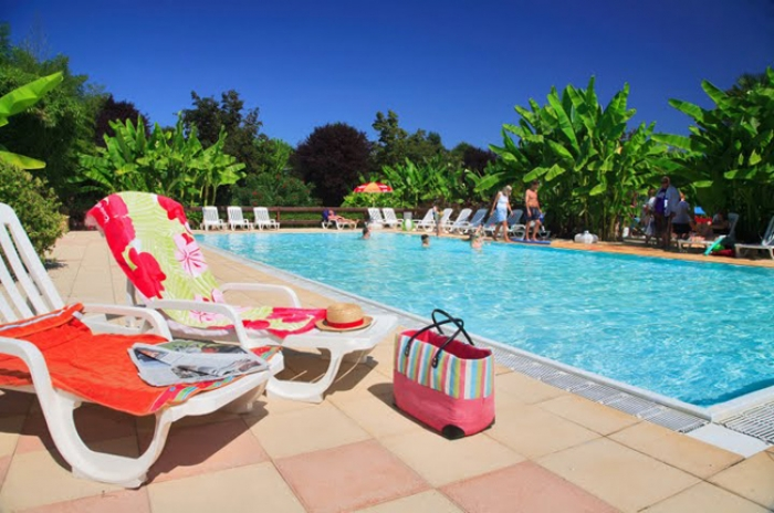 Camping le paradis lascaux dordogne vos vacances en for Camping perigord noir piscine