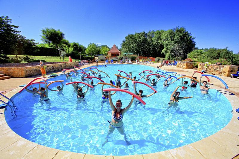 Camping domaine de fromengal lascaux dordogne vos for Camping perigord noir piscine