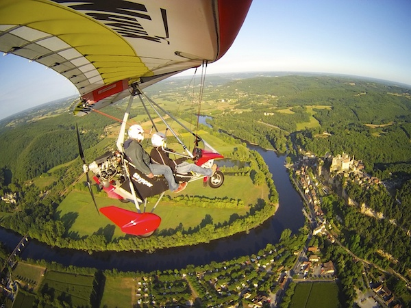 plane in Vezere valley