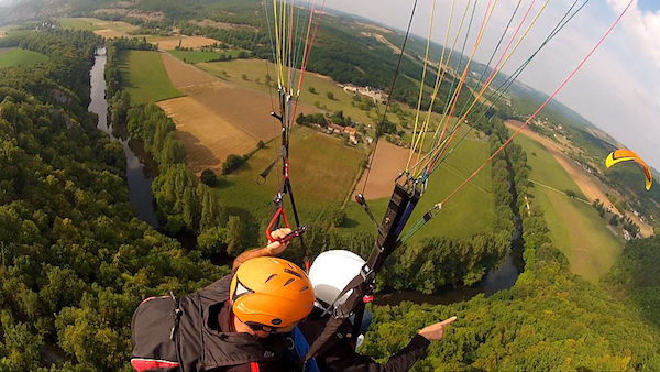 Paragliding in Vezere valley