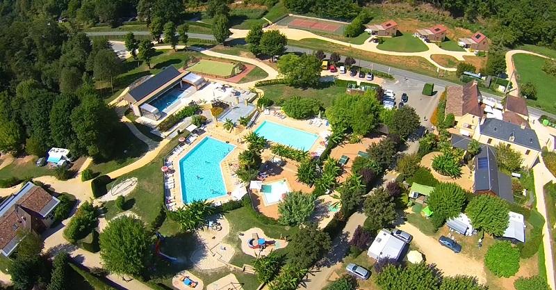 Helios camping le paradis lascaux dordogne your for Camping dordogne sarlat avec piscine