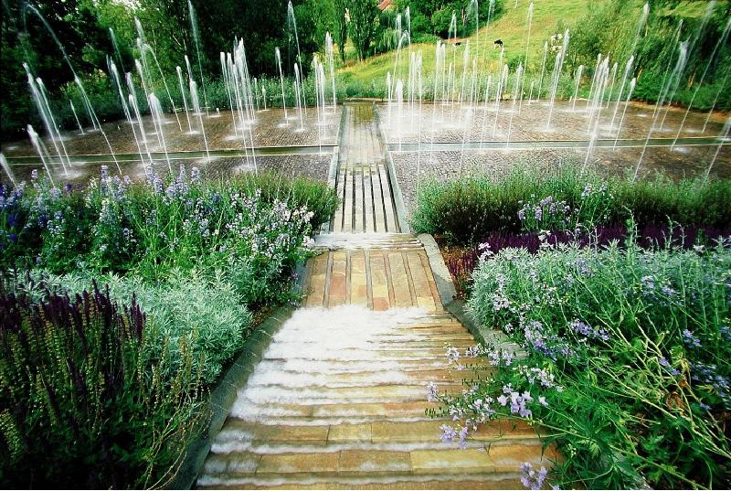 Les jardins de l 39 imaginaire lascaux dordogne vos for Jardin imaginaire