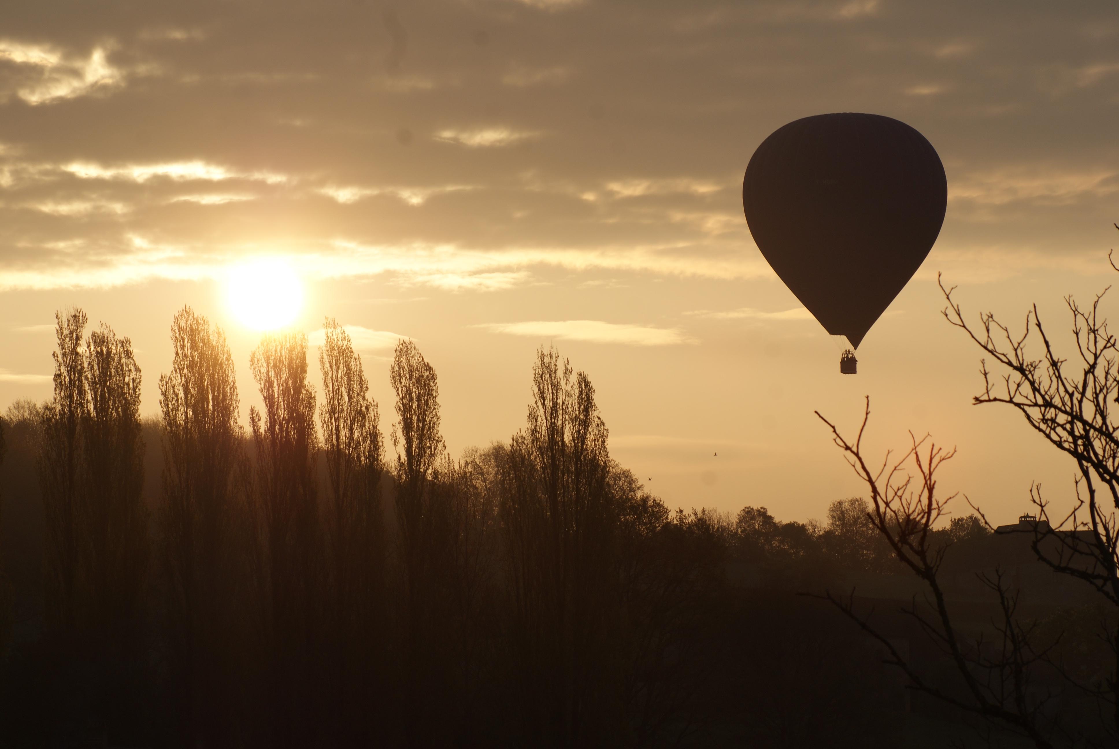 ©perigord dordogne montgolfière