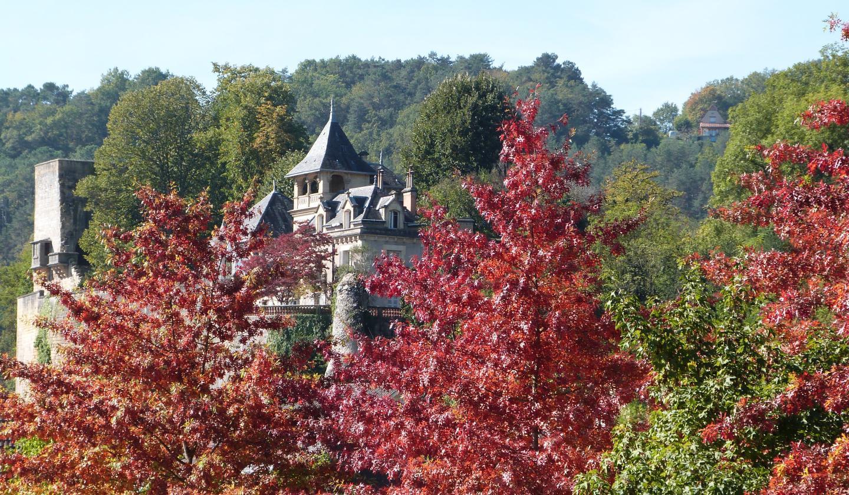 Montignac château automne ©ALR