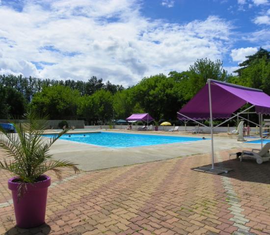Camping le rocher de la granelle lascaux dordogne your for Camping perigord noir piscine
