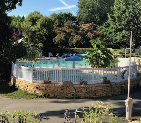 Camping le moulin du bleufond lascaux lascaux dordogne for Camping perigord noir piscine