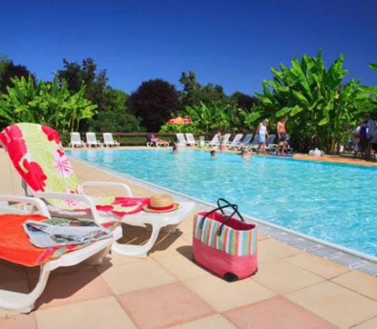 Camping le paradis lascaux dordogne your holidays in for Camping perigord noir piscine