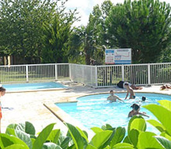 Camping la ferme de la brauge lascaux dordogne vos for Camping a la ferme dordogne piscine