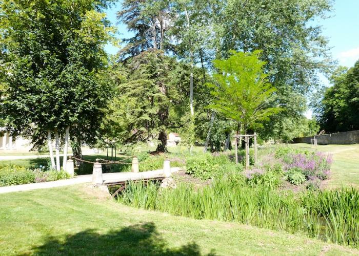 Parc du château de Campagne ©OTLDVV
