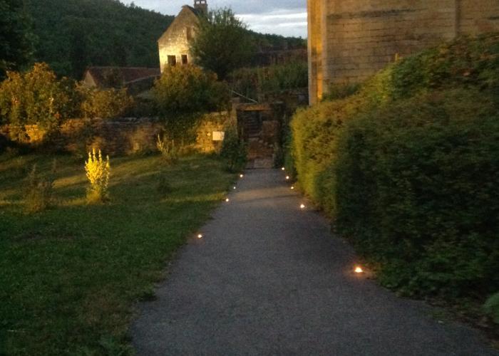 Visite nocturne de Saint-Amand de Coly ©otldvv