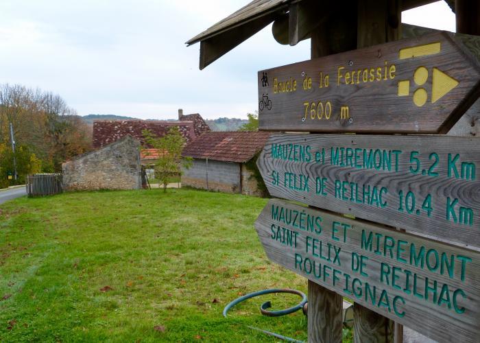 Savignac de Miremont, chemin de randonnée