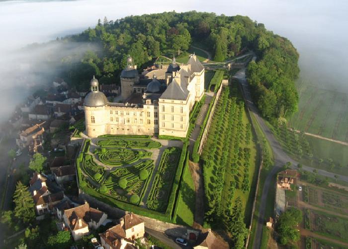 Château de Hautefort en valle Vézère