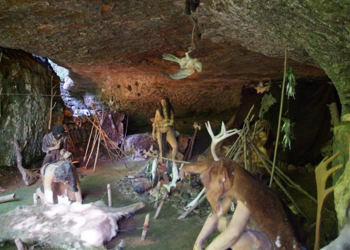 Les Grottes du Roc de Cazelle