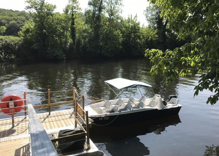 bateau en vallée Vézère