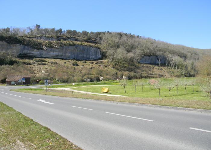 Route Les Eyzies