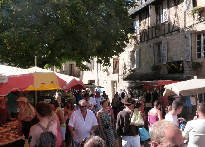Markets in Lascaux-Dordogne
