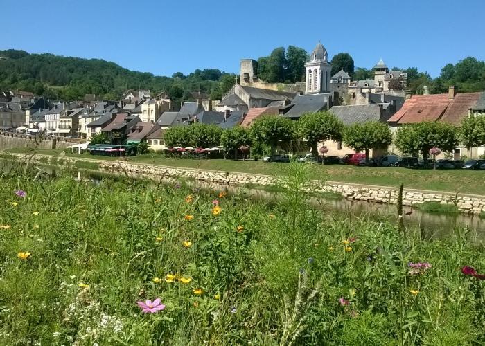 Quais de Montignac ©Myriam.G