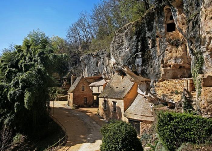 Grotte du Sorcier, Saint-Cirq