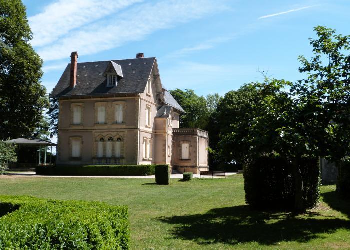 El pueblo de Rouffignac en la valle de la Vézère