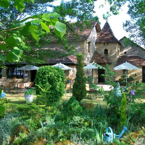 Auberge-Castel Merle-Sergeac