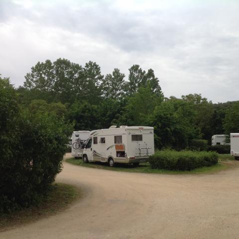 aire de service camping--car en vallée vézère