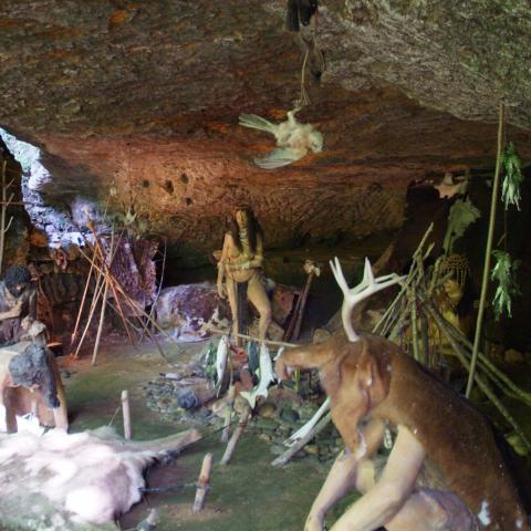 Grottes du Roc de Cazelle