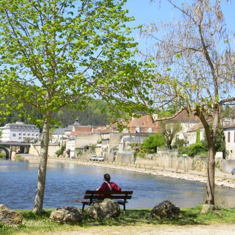 Village du Bugue - vallée de la Vézère ©ALR