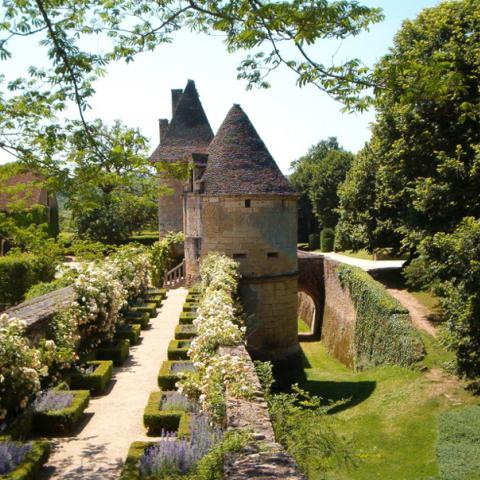 rempart fleuri du Château de Losse