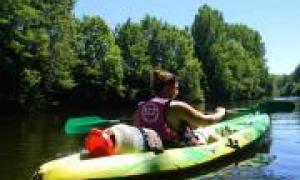 Canoës et bateaux